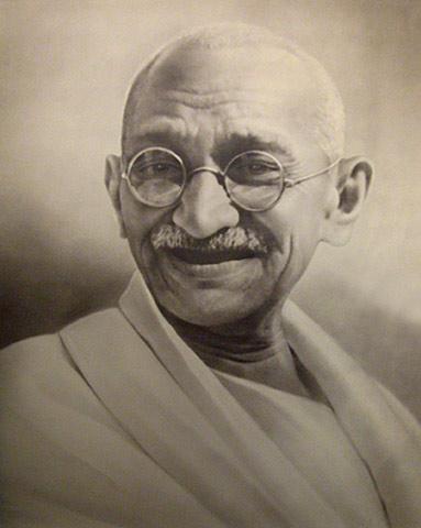 مهاتما گاندی کسی که با همیاری و همکاری مردم توانست بریتانیای کبیر را به زانو در آورد