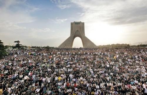 گردهم آیی ، اتحاد، یگانگی، و هم پارچگی مردم در تظاهرات ضد رژیم ولایت وقیح