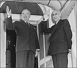 پرزیدنت ترومن رئیس جمهور آمریکا همواره طرفدار و پشتیبان خدمات صادقانه مصدق به کشور و مردم ایران بود