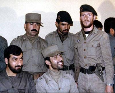 رضائی فرصت طلب، در جبهه جنگ با بی خردی و  بی تفاوتی خود، هزاران جوان پاک ایرانی را سپر گلوله ها کرد.