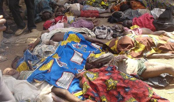 کشتار دسته جمعی مسیحیان به دست اسلام گرایان در نیجریه. این یکی از صدها جنایت مسلمانان است که به دستور قرآن و محمد صورت گرفته است.