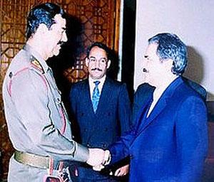 جاه طلبی، و مقام دوستی این آخوند بی دستار موجب گردید که نخست موجب پیروزی خمینی شده، و آن گاه به درگاه صدام خون آشآم پناهنده گردد.
