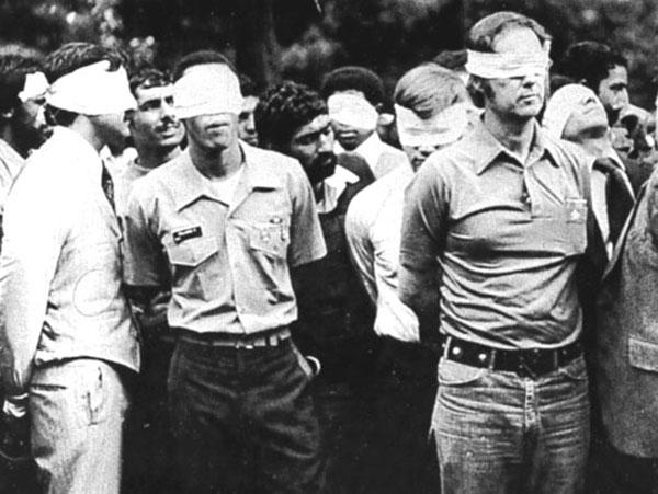 ۵۴ دیپلمات آمریکایی را ۴۴۴ روز در جهنم ساخته شده ولایت وقیح زندانی کردند. یک کار زشت و غیر انسانی که مانند آن  در قبیله های وحشی جنگل های آمازون تاکنون دیده نشده. عباس عبدی، و سعید حجاریان نیز در این انسان ستیزی و وحشی گری همکاری داشته اند.