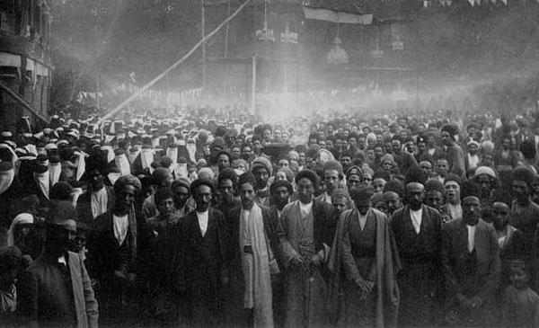 گردهم آیی طبقات گوناگون مردم ایران، در تاریخ ۱۴ مرداد ۱۲۸۶به مناسبت نخستین سالگرد مشروطیت ایران که دیکتاتوری را پشت سر گذاشت، و دموکراسی در کشور آغاز شده بود.