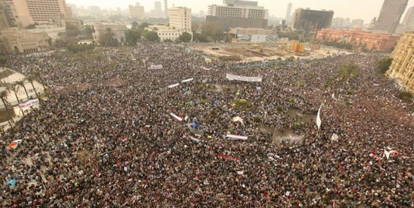 عظمت و گسترش انقلاب ملت مصر در خور ستایش است. انقلابی که با رهبرانی مستقل، آزاد اندیش، و بر اساس همبستگی و تداوم اعتراض تا پیروزی، و عملکرد متقابل در برابر خشونت رژیم همراه است.
