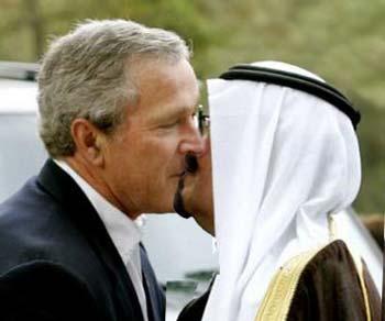 ملک عبدالله دیکتاتوری است که خون مردم عربستان را در شیشه کرده است. به تازگی مردم عربستان مانند مصر، تونس، و لیبی به پا خاستند تا رژیم دیکتاتوری را سرنگون کنند. ملک فهد اعلام کرد، هرگونه تظاهرات برخلاف شریعه است، و مردم تظاهر کننده، مجازات می شوند. مجازات در شریعه سر بریدن محکوم با شمشیر است در میدان شهر. این آقای دیکتاتور نیرون نظامی هم برای حمایت هم دیکتاتور خود به بحرین گسیل داشته است.