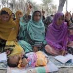 دولت احمدی نژاد، سراپا وعده و حرف، به بلوچستان آمدند، نشستند و گفتند و رفتند!