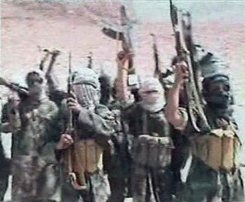 این ها آدم کشان و مزدوران تربیت شده دست بن لادن بودند، که همواره به جنایات خود به عنوان اسلام انجام می دهد. عملکرد آنان مانند لشکر امام زمان ولی وقیح است. در وجود آنان رحم، انسانیت، شعور، فهم، و کرامت انسانی دیده نمی شود. شمار این آدم کشان  تا سال ۲۰۰۱ میان ۳۰۰۰ و ۵۰۰۰ بوده است.