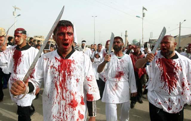 این هم صحنه دیگری از اسلام خون و شمشیر است.