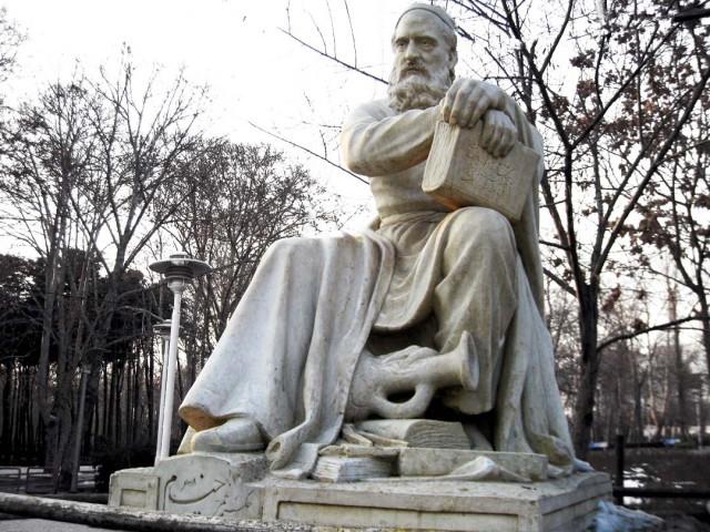 حکیم عمر خیام نیشابوری دانشمند کیهان شناس، ریاضی دان، و چکامه سرا در سال ۱۰۴۸ هجری در نیشاپور چشم به جهان گشود، و در سال ۱۱۳۱ هجری از جهان رخت بربست.