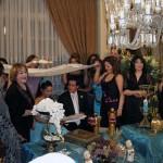 این فرتوری از جشن زناشویی یک خانوداه محترم ایرانی است که در فضایی بدون آخوند برگزار می شود. راندن آخوند از هر محفل و مجلسی، مانند راندن میکرب های طاعون، وبا، و حصبه از دور و برنان است.