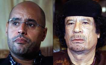 محمد قذافی، یک دیکتاتور و دیوانه زنجیری که ۴۱ سال کشورش را در چنگ خود گرفت، و از هرگونه جنایت و غارت گری کوتاهی نکرده است، همراه با فرزند جنایتکارش سیف الاسلام دیده می شود.