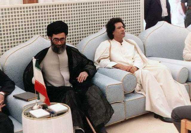 ولی وقیح به دیدار هم جنایتکار خود قذافی به لیبی سفر کرده بود. حال، که آن دیکتاتور کله پا شده، کی نوبت ولی وقیح ما خواهد رسید؟. آیا او هم چنین روزهایی را پیش بینی نمی کند؟. به هرحال، این شتری است که در خانه همه جنایتکاران، دیر یا زود می خوابد. آن هم چه بدشتری!.