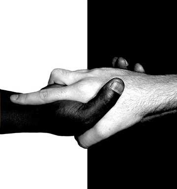 باید برای ایجاد محبت و دوستی و از بین بردن تبعیض و افکار نژادپرستانه تلاش کرد. نژاد پرستی یک عمل زشت ناپسند است و هیچ ارتباطی با وطن پرستی ندارد.
