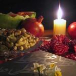 جشن شب یلدا یکی از کهن ترین جشن های ملی ایرانیان است و قدمتش را به هفت هزار سال تخمین زده اند، در شب یلدا اعضای خانواده به دور یکدیگر جمع شده و از روزها و خاطرات خوش برای یکدیگر تعریف کرده و یاد اسطوره های میهن را زنده نگاه می دارند.
