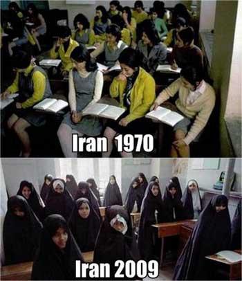 این دو را مقایسه کنید. در تصویر بالا دانشجویان با پوشش آزاد دیده می شود. در آن دوران، اگر کسی هم با حجاب اسلامی بود، کسی اعتراض نمی کرد و کاملاً آزاد بود. ولی کوردلان و پست فطرتان این آزادی نسبی را به هم زدند، و وضع کنونی به وجود آوردند که آخوند توی شلوار همه فرو می رود.