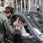 این هم از پلیس و نیروی انتظامی مملکت که به جای دستگیری دزدان و قاتلان و قاچاقچیان و تأمین امنیت شهروندان، مشغول بررسی حجاب بانوان ایرانی آن هم داخل ماشین شخصی شان است. دیروز فقط در خیابان ها با بی حجابی برخورد می کردند، امروز به داخل ماشین ها ی مان سرک می کشند، اگر اعتراضی نکنیم، باید منتظر باشیم که فردا، در هر خانه ای یک مأمور حجاب زنان و دختران مان را بررسی کند.