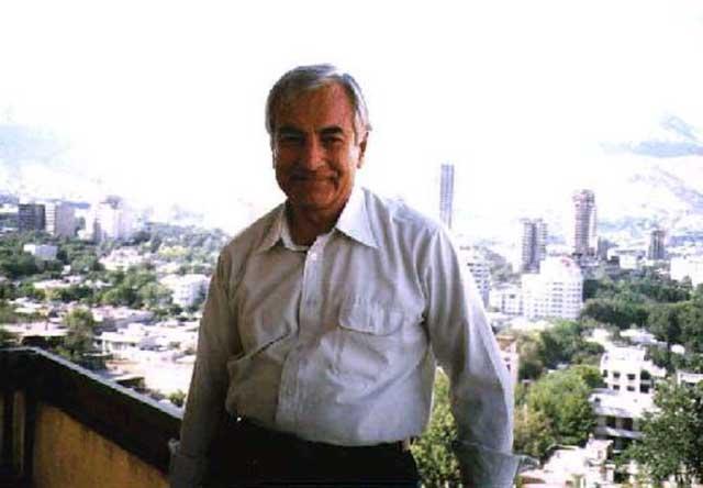امیر انتظام کهن ترین مبارز سیاسی در بند دیوان، که یادها، خاطره ها، و زجرهای سه دهه زندانی اش به فراموشی سپرده شده است
