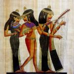 زنان مصر باستان در این تصویر دیده می شوند. زنانی که آزادی داشتند، و زیر غل و زنجیر شریعه گرفتار نبودند. زنانی که پا به پای مردان در تلاش و کوشش بودند و از زندگی خود بهره می گرفتند.