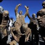چهارشنبه سوری یادگار فرهنگ غنی ایرانیان و قمه زنی، خرافه فرهنگ ستیز شیعه می باشد