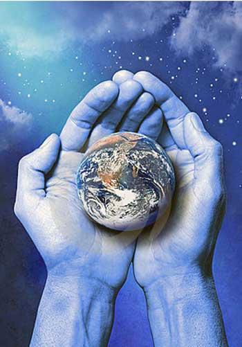 چارلز داروین چشم جهانیان را به روی حقایقی بسیار شگرف باز نمود و امروز با تلاش های دانشمندان و زیست شناسانی چون ریچارد داوکینز، دیدگاه خلق زمین به دست خدا یا الله مدینه، بسیار سخیف به نظر می رسند و تنها توسط انسان های مذهبی و یا کم دانش به کار برده می شوند.