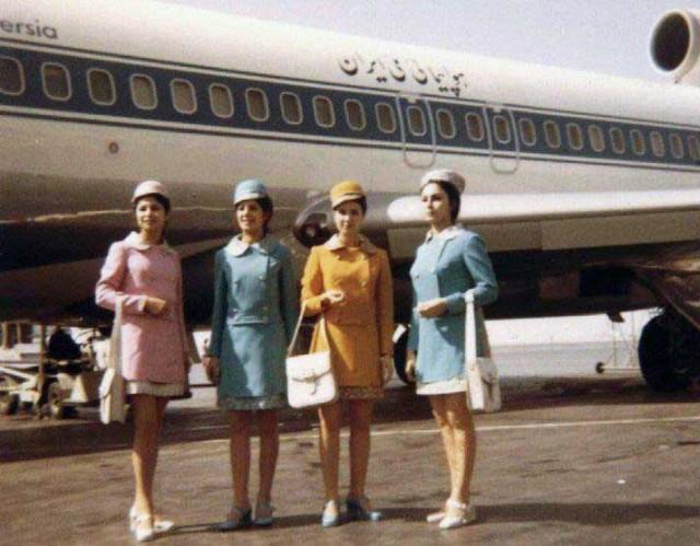 ایران ایر در زمان شاه به عنوان یکی از بهترین و معتبرترین خطوط هوایی جهان به شمار می رفت. پس از انقلاب منحوس اسلامی، به دلیل قطع رابطه ایران و ایرانیان با جهان پیشرفته و تکنولوژی و جایگزین شدن دعای ندبه و زیارت عاشورا، به جای خردگرایی و دانش، صعنت هواپیمایی ایران سقوط کرده و امروز یکی از به نا امن ترین خطوط هوایی دنیا به حساب می آید.
