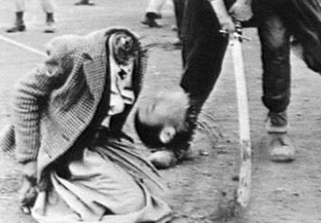 زدن گردن انسان ها در سده ۲۰-۲۱ دستور کامل اسلام است که در عربستان کانون پرورش دستورات محمدابن عبدالله  همچنان پیاده می شود.