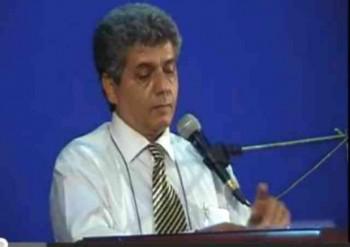 محمد رضا عالی پیام، چکامه طنزپرداز که با چکامه های زیبا و انتقادی خود رژیم پوشالی و کاغذی آخوندها را به لرزه در آورده، هم اکنون در بند دژخیمان بیگانه پرست و ضد ایرانی اسیر و گرفتار است.
