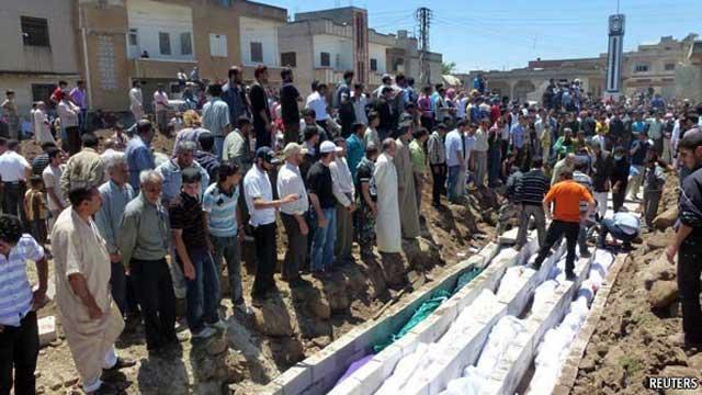 این کشتار جمعی مردم سوریه به دست رژیم بشار اسد و با همکاری رژیم ایران است. بی تردید، دست علی خامنه ای به خون هریک از این بیگناهان آغشته است.