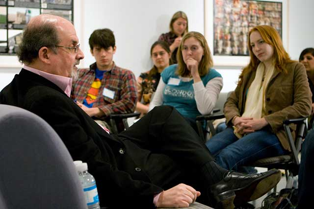 Sir-Ahmed-Salman-Rushdie-with-students-at-emory-university-iran-fatwa