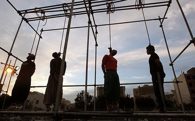 کشتار بی رویه و پنهانی به اتهام قاچاق  در زندان وکیل آباد مشهد. بدون آن که در دادگاهی محاکمه شده باشند.