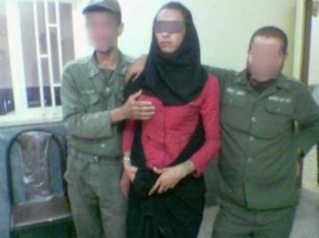 در این تصویر عملن سوء استفاده جنسی از دختران ایرانی و فرستادن  به کشورهای عربی و فروختن آنان  را می توان دید و برداشت کرد.