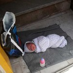 leaving-2-day-old-baby-in-Ahvaz-because-of-Poverty-iran