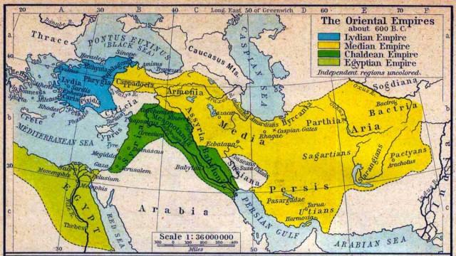 در این نقشه، سرزمین بزرگ ایران در زمان کوروش بزرگ به رنگ های زرد و سبزتیره نشان داده شده است. رنگ سبزتیره بابلونیا، مسوپتیمیا، و سیریا راشامل می شود.