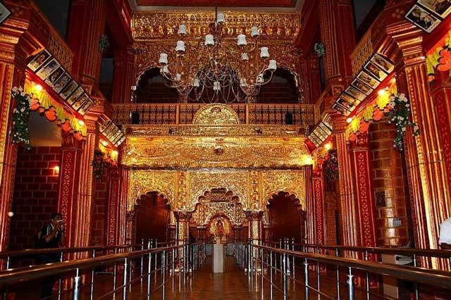ضریح مقدس سای بابا Sai Baba در هندوستان