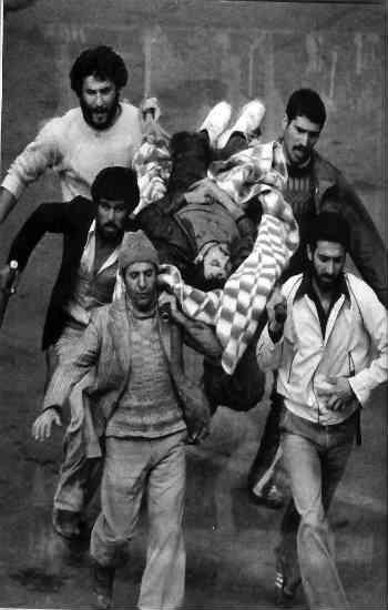 انقلابِ اسلامی نمونه بارز یک انقلاب بدون پشتوانه فکری و فرهنگی است؛ انقلاب مردمی که برای بیرون نمودن شاهِ مستبد رخ داد، به یک حکومت دیکتاتوری اسلامی منجر شد! بَد رفت و بَد تر آمد!