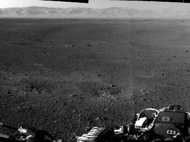 """نخستین تصویر دقیق و درستی که  """"کاوشگر کنجکاو """" از سطح مریخ به زمین فرستاده است."""