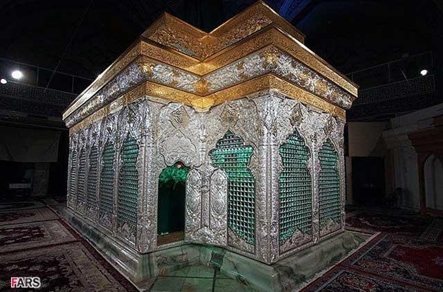 اینهم ضریح جدید امام حسین است که به تازگی به کربلا فرستاده شده است.