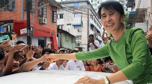 آنگ سان سوچی دلاور زن قهرمان برمه ای.