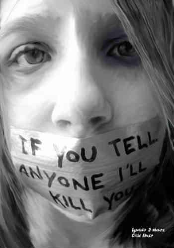 دَر رژیم اسلامی یک وبلاگ نویس آزادی خواه زیر شکنجه جان می دهد و یک روان پریش تجاوزگر از حکم اعدام رهایی پیدا می کند؛ این است عدالت اسلامی حکومت امام زمانی!