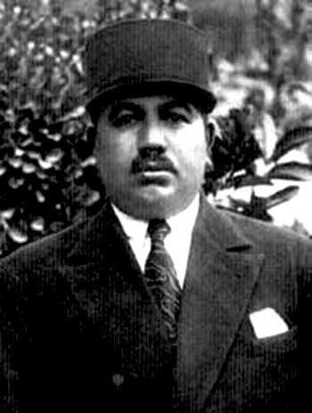 فرخی یزدی، چکامه پرداز، سیاستمدار، و انتقادگر سیاسی که نقش بزرگی در مبارزه با دیکتاتوری دوران رضا شاه داشت.