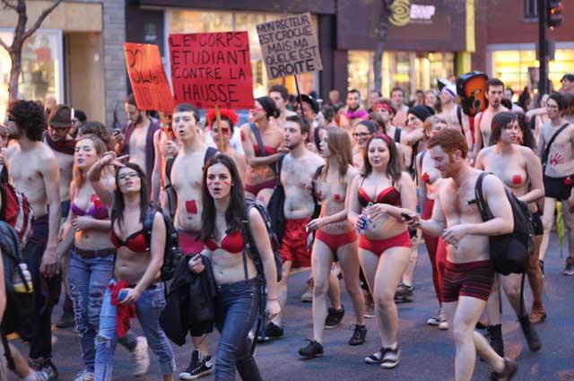 گروه فیمن نیز اعتراض خود را نسبت به قوانین ضد بشری اسلامی و مردسالاری ابراز داشتند. این گروه زن و مرد که نیمه لخت راه می روند به اندازه یک آخوندک محصول مکتب خانه های دینی ایران چشم ناپاک و هیز نیستند و ابداً زنان نیمه برهنه و یا سکسی را در کنار خود احساس نمی کنند.