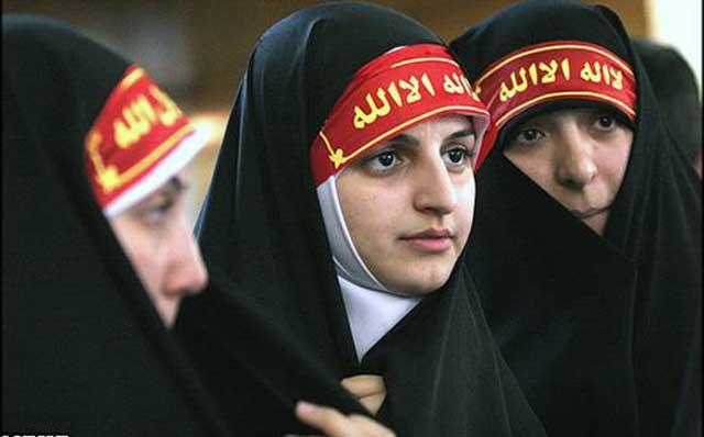 اینها دختران خردباخته و مسخ شده ایرانند که به دستور و به خواست آخوند ملیت خود را فراموش کرده و راه زن ستیزی را پیشه گرفته اند.