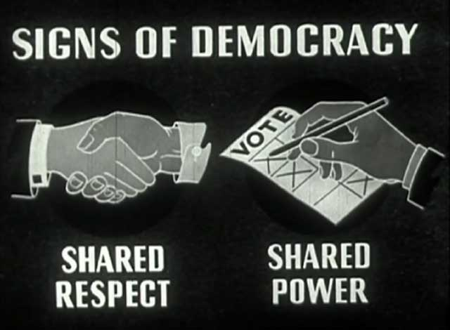سمبل و نشانه دموکراسی باهم در رأی دادن و انتخابات شرکت داشتن، و با هم در قدرت شریک بودن است. کار همه، برای همه. همه باهم، و برای هم.