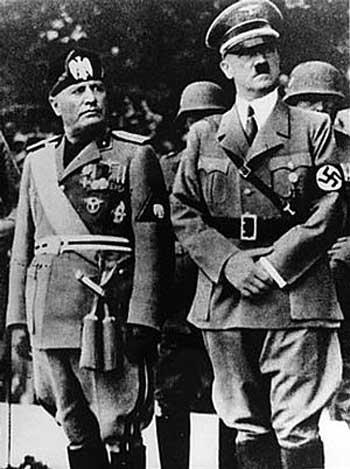 هیتلر و موسولینی ۲تن از فاشیست جهان، نفر سوم این گروه بی تردید خمینی است که می توان او را  نیز در گروه فاشیست بزرگ جهانی به شمار آورد.