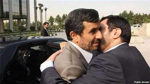 مرتضوی و احمدی نژاد دو جنایتکار رژیم در کنار هم و در بغل هم
