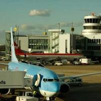 تهماست مظاهری دزد دیگر رژیم که با چک قاچاق در فرودگاه دوسلدرف دستگیر شذ.