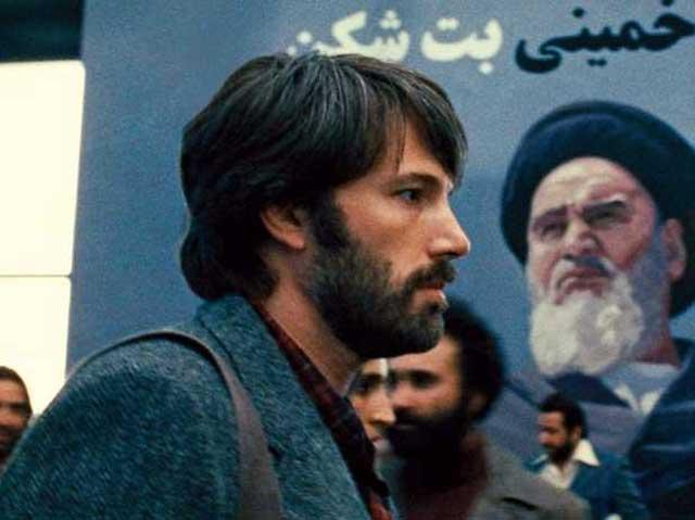 ارگو برنده جایزه اسکار بهترین فیلم از ساخته های بن افلک در ۷ اسفند ۱۳۹۱ شناخته شد. فیلمی که گروگانگیری دیپلماتهای آمریکایی را به دستور خمینی ضد ایرانی و ضد انسان نشان می دهد.
