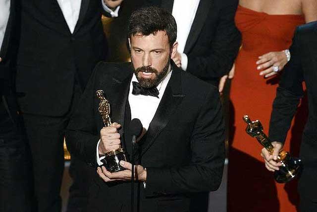 در این فرتور، سازندگان و برندگان جایزه اسکار فیلم آرگو دیده می شوند