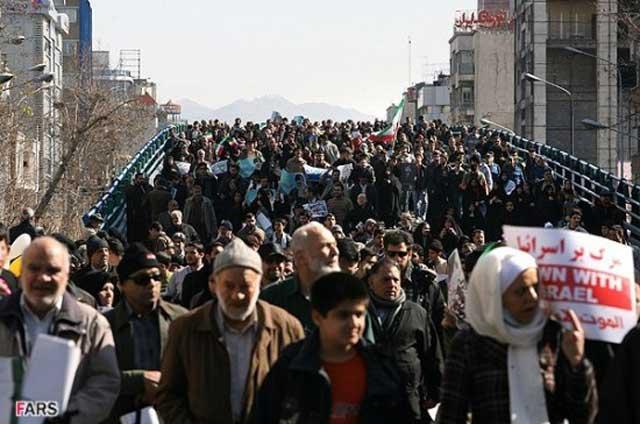 این ها چه گراهی از مردمند که برای بقایرژیم آخوندی در راهپیمایی شرکت کرده اند؟ امت خردباخته، در انتظار چلو خورشت، و یا کارمندان و کارگران سازمان های در اختیار رژیم؟!.